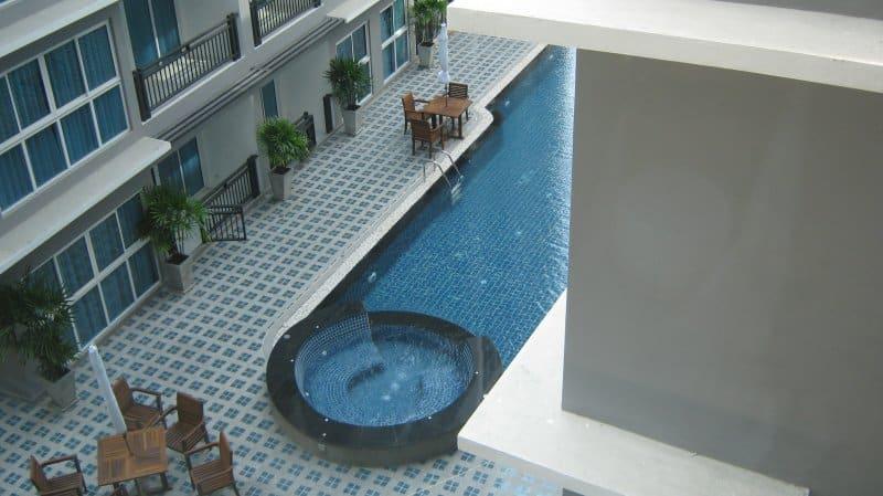 10-avenue-piscina