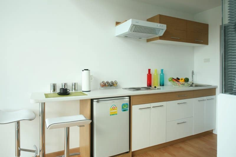 2-kitchen-bar2